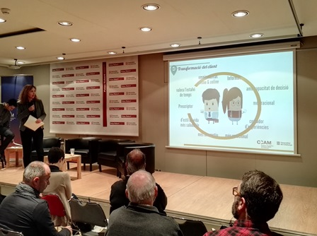 La dir. gral de Comerç, Muntsa Vilalta, durant la presentació del catàleg d'apps