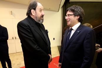 El president conversa amb JosepMaria Pou abans de l'inicia de la Gala