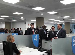 Fotografia de la inauguració de l'oficina de l'ATC del Barcelonès Nord