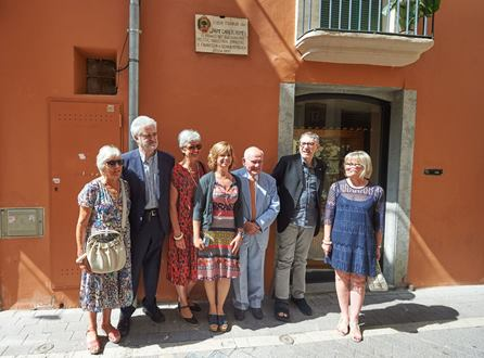 La consellera Borràs juntament amb l'alcalde del Vendrell ha descobert una placa inaugural a la casa de l'advocat i polític, Jaume Carner
