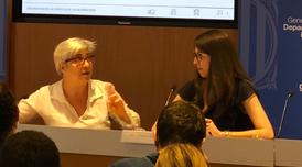La directora financera de CIMALSA, Fina Jarque, i la consultora de l'Institut Cerdà Jessica Civil, presentant els Indicadors de Competitivitat i Sostenibilitat 2017.