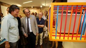 El president Torra, en un moment de la visita a l'exposició. Autor: Rubén Moreno