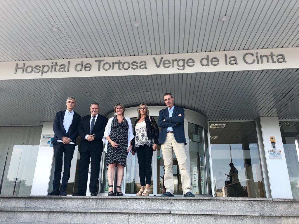 La consellera de Salut durant la seva visita a l'Hospital de Tortosa Verge de la Cinta