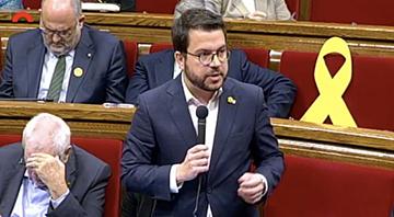 Fotografia del vicepresident durant la seva intervenció al Parlament