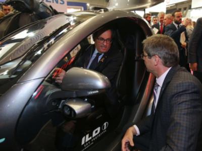 Fotografia de la visita del president a l'IoT Solutions World Congress