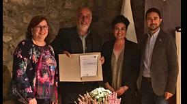 El conseller Calvet amb la presidenta de la Diputació de Lleida, Rosa M. Perelló, l'alcalde de la Vall de Boí, Joan Perelada, i la representant de la Fundació Starlight Susana Malon.