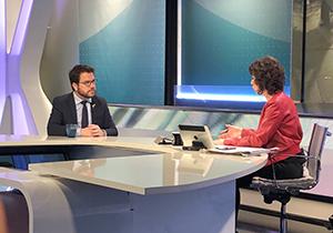 Fotografia del vicepresident Aragonès durant l'entrevista al programa
