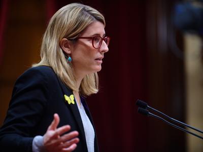 La consellera Artadi durant la seva intervenció al Parlament