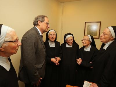 El president saluda les monges del Monestir de Sant Daniel (Autor: Rubén Moreno)
