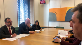 Alfred Bosch, the Catalan Minister for Foreign Action, Institutional Relations and Transparency, met with British MPs Hywel Williams (Plaid Cymru) and Andrew Rosindell (Conservative Party), the chair and vice chair of the All-Party Parliamentary Group (APPG) on Catalonia.