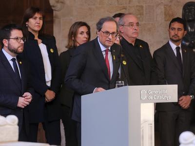 Moment de la lectura de la declaració institucional per part del president de la Generalitat, Quim Torra