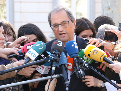 El president Torra atenent els mitjans de comunicació davant del Tribunal Suprem