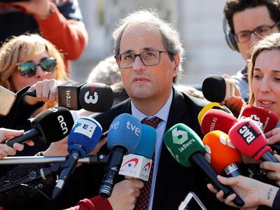 El president Torra atenent els mitjans de comunicació a Madrid.