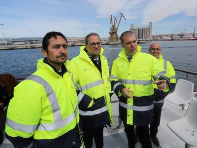 El president Torra i el conseller Calvet amb el president del Port, durant la visita. Autor: Jordi Bedmar