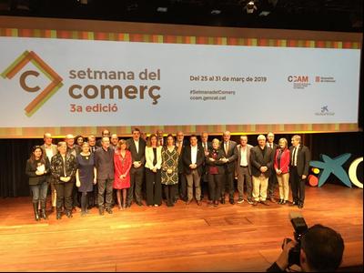 La consellera Chacón amb la dir. gral de COmerç; Muntsa Vilalta, i representants del sector comerç a la inauguració de la Setmana del Comerç