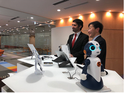 The Minister for Digital Policy, Jordi Puigneró, was in Tokyo today to meet with managers of NTT Data and close a deal aimed at facilitating the establishment of the leading Japanese telecommunications company in Catalonia.