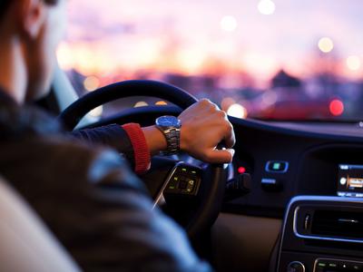 El Govern aprova la memòria preliminar de l'Avantprojecte de llei del transport de viatgers en vehicles de fins a nou places