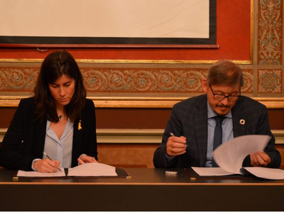 This morning, at Palau Centelles, the Catalonia-Flanders Plan 2019-21 was officially signed at a ceremony chaired by the Director General for Foreign Relations, Mireia Borrell. The event was also attended by the Secretary General for Foreign Affairs of the Flanders government, Freddy Evens, who made the closing remarks. Both officials made the plan official by signing it at the ceremony.