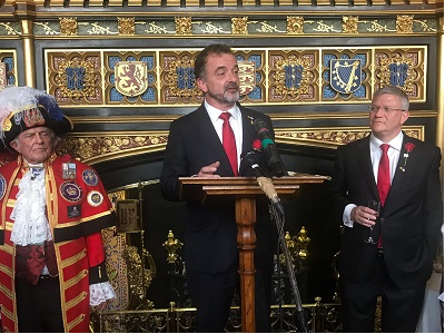 Minister Bosch speaking at a St. George's Day event at Westminster