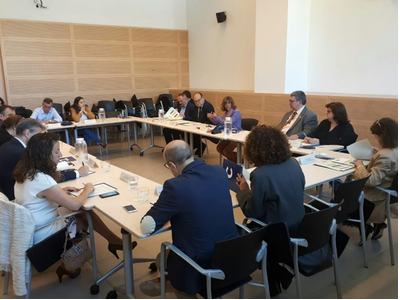 La directora de l'Agència Catalana del Consum (ACC), Beth Abad, durant la reunió