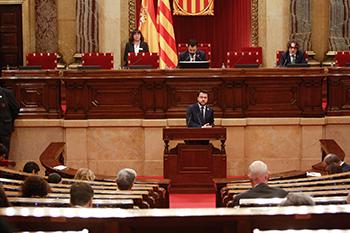 Fotografia del vicepresident Aragonès al Parlament