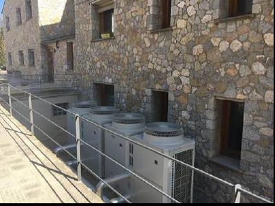 Bombes de calor aerotèrmiques instal·lades per la Fundació La Vall en el marc del Programa de compensació.