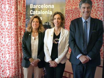 (D'esquerra a dreta) La directiva del Barça Marta Plana, la consellera Àngels Chacón i el comissionat de l'Ajuntament de Barcelona Lluís Gómez