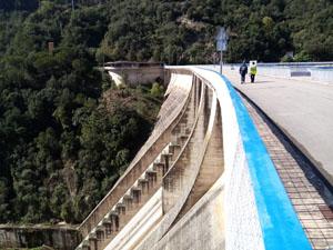 Part superior de la presa de Sau.