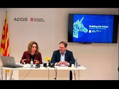 La consellera d'Empresa i Coneixement, Àngels Chacón, i el conseller delegat d'ACCIÓ, Joan Romero, en la presentació de l'estudi