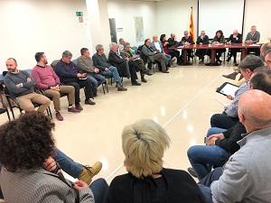 Moment de la reunió amb representants de regants, arrossaires, muscleres, consells comarcals, ajuntaments i sindicats agraris
