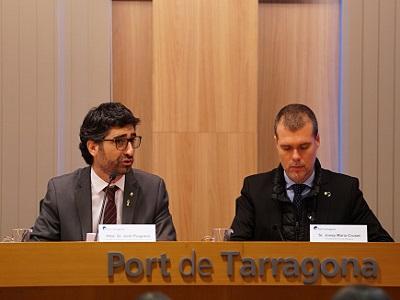 El conseller de Polítiques Digitals i Administració Pública, Jordi Puigneró, acompanyat del president del Port de Tarragona, Josep Maria Cruset, durant la presentació del concurs d'innovació oberta 'SmartCatalonia Challenge'