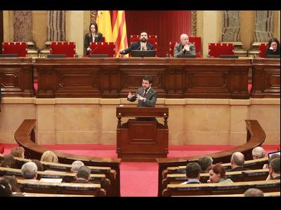 El vicepresident Aragonès, durant la seva intervenció al Parlament