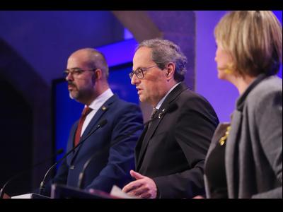 El president Torra, acompanyat dels consellers Vergés i Buch, durant la roda de premsa