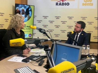 El vicpresident Aragonès als estudis de Catalunya Ràdio, en una foto d'arxiu