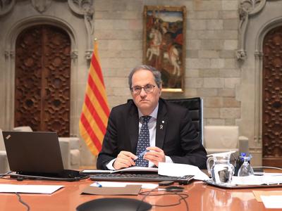El president Torra durant la reunió del Coreco