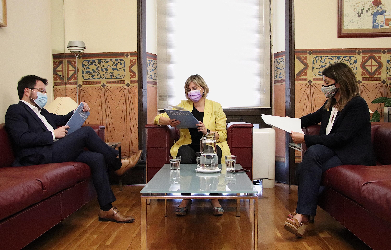 Aragonès, Vergés i Budó, abans de la roda de premsa, aquest migdia.