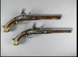 Pistoles