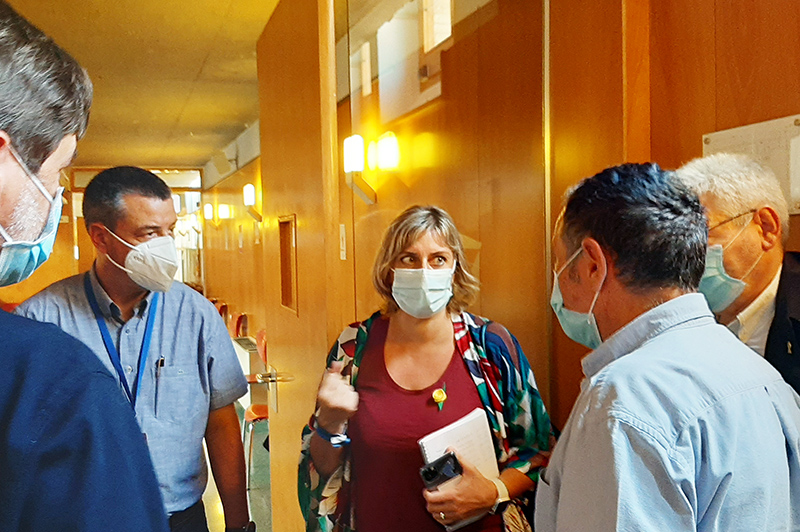 Avui a Vilafranca, la consellera Vergés ha garantit que Salut posarà en marxa totes les accions necessàries per aturar les cadenes de transmissió del virus