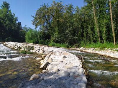 Rampa peixos resclosa Pilastra, riu Ter.