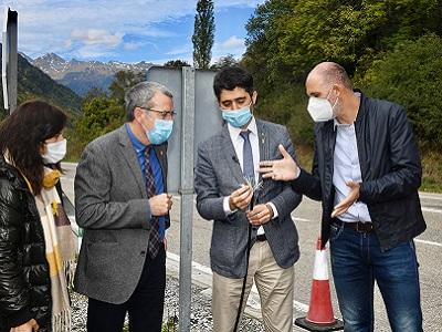 El conseller Puigneró a peu d'obres de fibra òptica a la Vall d'Aran