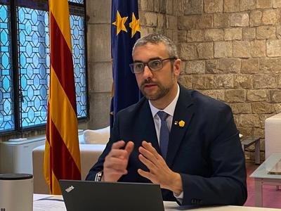 El conseller Bernat Solé participa en una reunió telemàtica.
