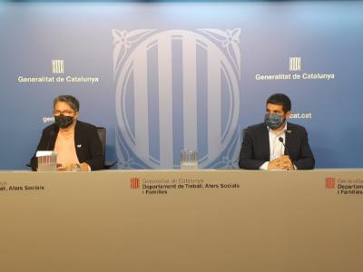 El conseller Chakir el Homrani amb la directora del SOC, Ariadna Rectoret