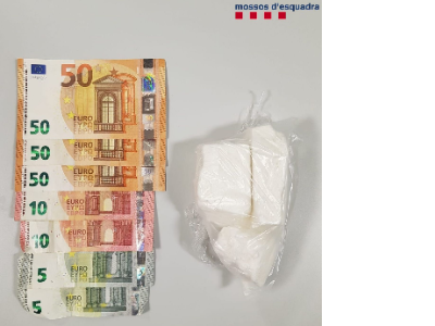 Els ME detenen dos homes a Mont-ras per transportar un bloc de cocaïna pura valorada en més de 12.000 euros