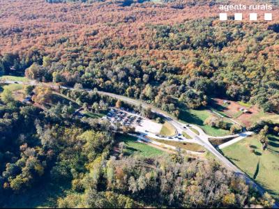 Imatge aèria de dissabte, 24 d'octubre, durant l'operatiu conjunt per tal de donar compliment a les mesures del PROCICAT per evitar la massificació als espais naturals. Foto: CAR