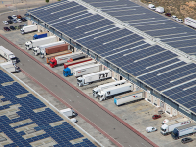 Plaques solars a un centre logístic
