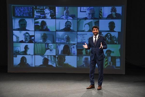 El conseller Puigneró durant l'acte de presentació del nou model de ciberseguretat per al món local