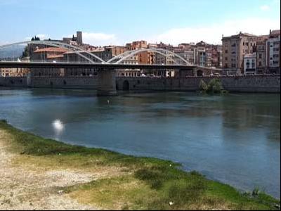 El riu Ebre al seu pas per Tortosa.