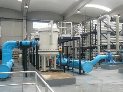 Interior planta osmosi.