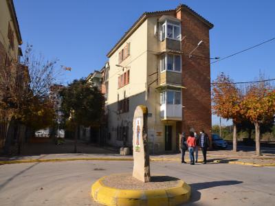 Acte d'inici de les obres d'enderroc del Bloc A del Grup d'habitatges Sant Isidori, a Mollerussa.
