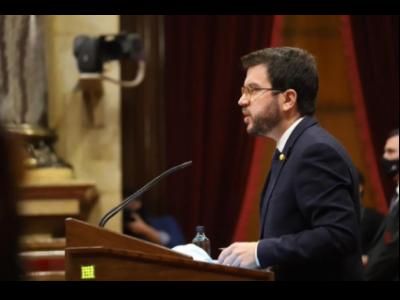 El vicepresident Aragonès durant la presentació del Decret Llei al Parlament de Catalunya